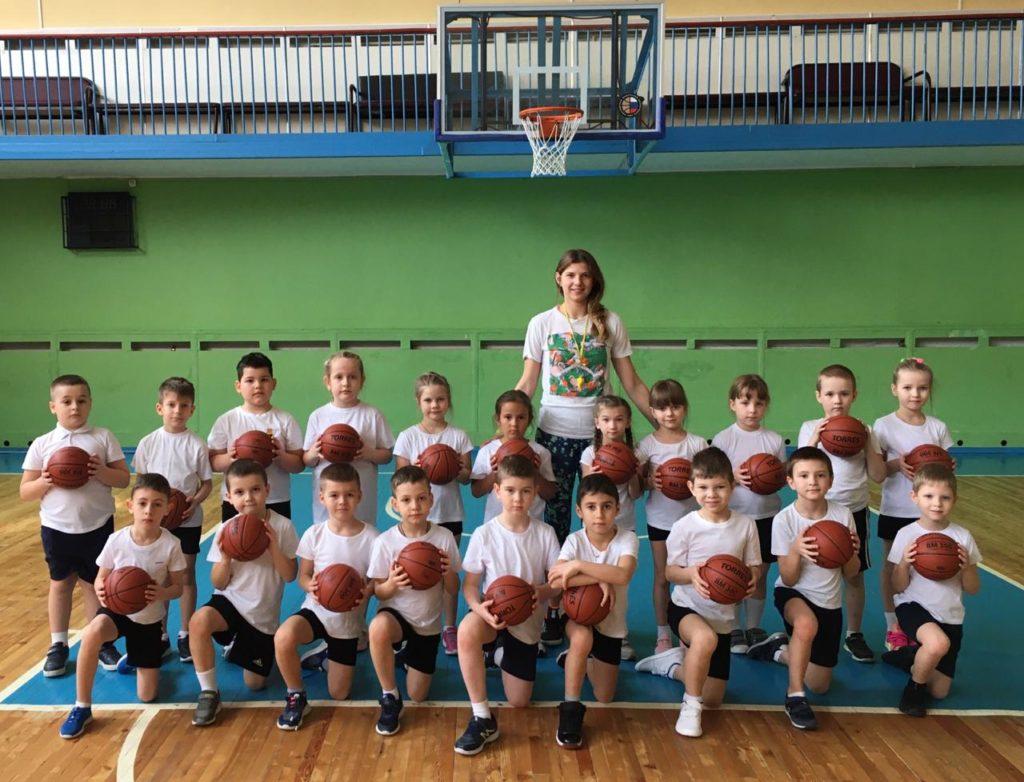 тренер-преподаватель Литовкина Инна Рафиковна с воспитанниками